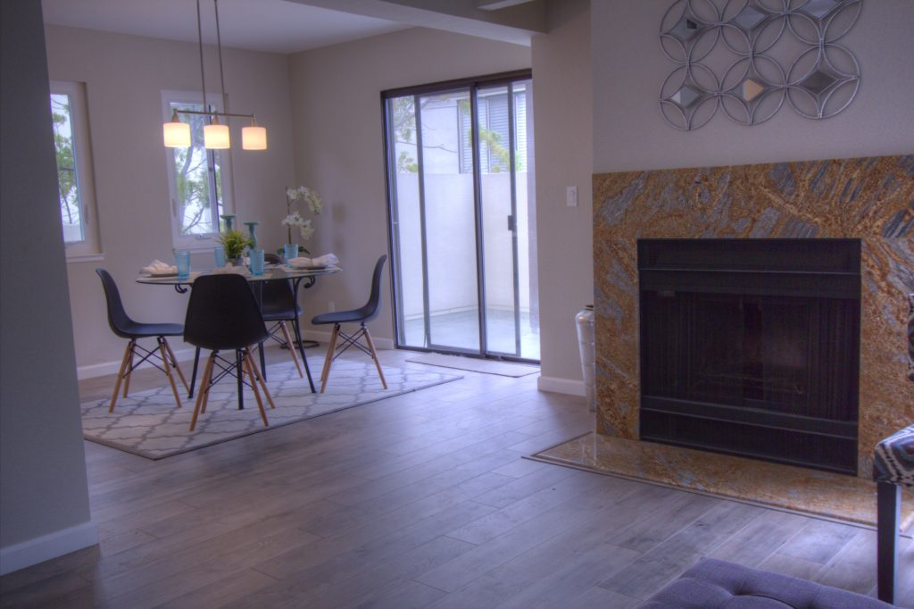 Mountain View Townhome for Sale - living dining room