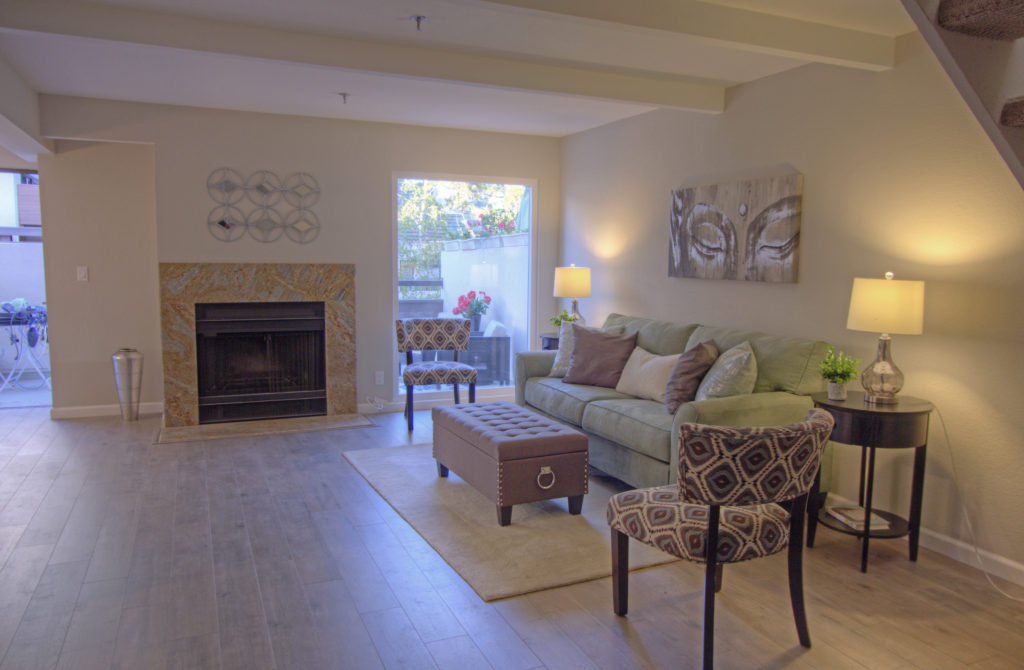Mountain View Townhome for Sale - living room